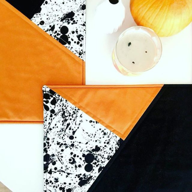 Look at these fun colorblock placemats from sewhome that modernhandcrafthellip