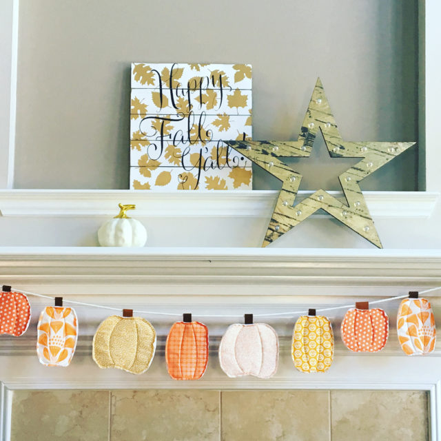 SO in love with my Fall mantel this year!! Youhellip