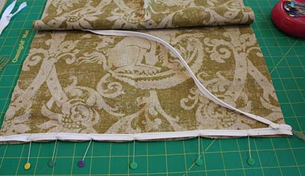 Now we\u0027re ready to sew! We\u0027ll also use the marks that we made as our stopping and starting points for our sewing. & Tutorial Tuesday: Throw Pillow with Invisible Zipper - Schlosser ... pillowsntoast.com